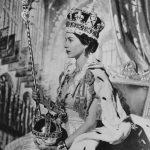 英女王94歲生日快樂!回顧女王最閃亮的珠寶時刻