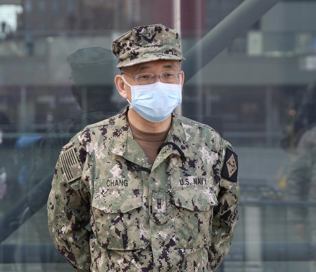 鄭永佳已在海軍預備役服務23年,此次義不容辭再應召上前線。(記者洪群超/攝影)