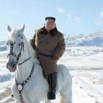 川普早知金正恩有事「知道但不能說」 傳衛星拍到騎馬、玩水