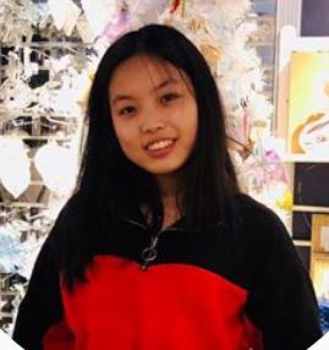 19歲的華裔克莉絲蒂搭乘一輛計程車前往維拉札諾大橋跳橋自殺,遺體兩天後在新澤西州的海邊被發現。(取自臉書)