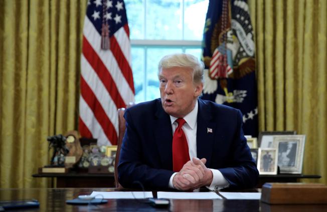 總統川普29日在白宮橢圓形辦公室接受路透專訪。  路透