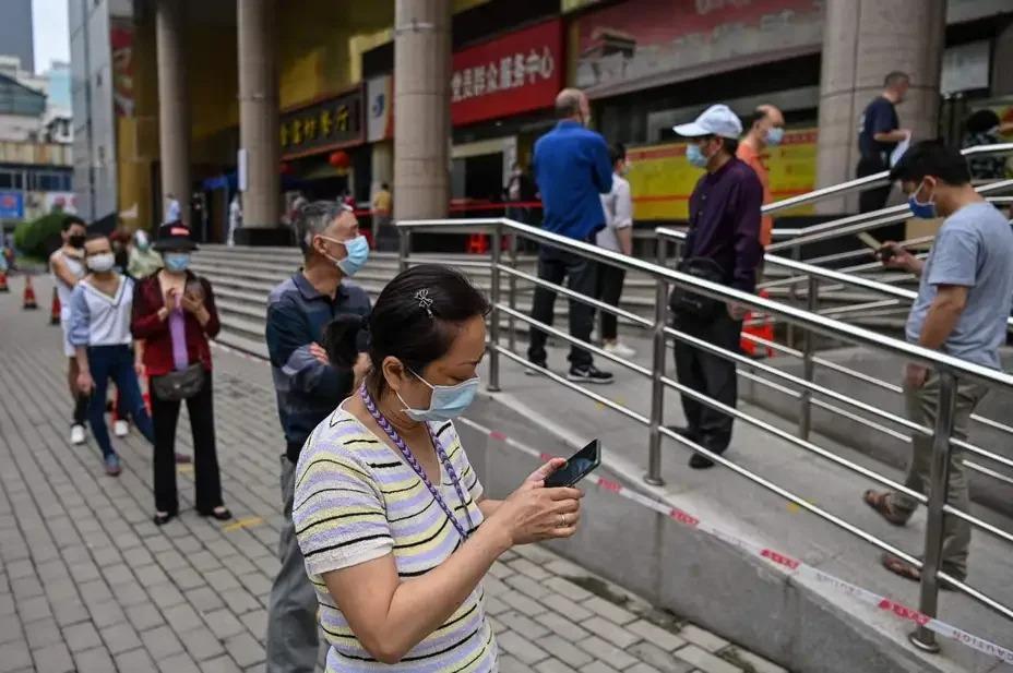 中國國家衛生健康委員會方面表示,近期新增本土確診病例多來自群聚疫情,多地發現無症狀感染者,因此要提高核酸檢測能力,包括加強二級(P2)以上醫療機構實驗室建設等。 Getty Images