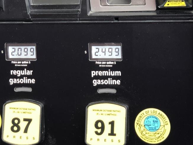 油價現在非常便宜。(記者張宏/攝影)