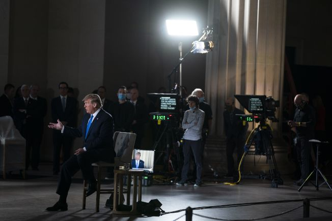川普周日晚間接受福斯新聞訪問時說:「我認為他們犯了一個非常可怕的錯誤,」「他們試圖掩蓋。」美聯社