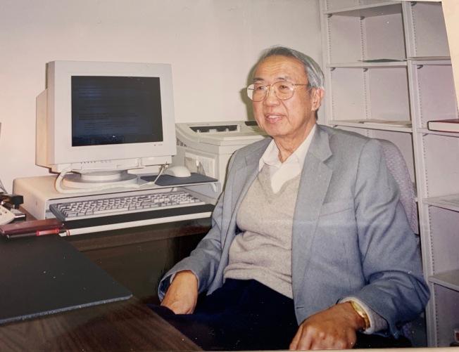 2000年时冀朝铸担任克莱蒙学院客座教授。(本报档案照片)