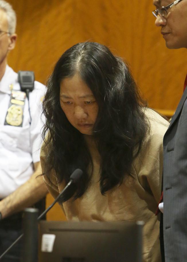 王玉芬涉嫌在法拉盛月子中心持刀刺傷三名嬰兒和兩名成人,被起訴四項二級企圖謀殺與四項一級攻擊罪名。(本報檔案照)
