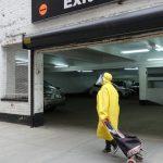 〈圖輯〉紐約華埠街道的老人、清潔員與無家可歸者