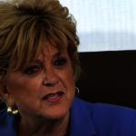 不認同市長防疫觀點 賭城居民團體要卡洛琳下台