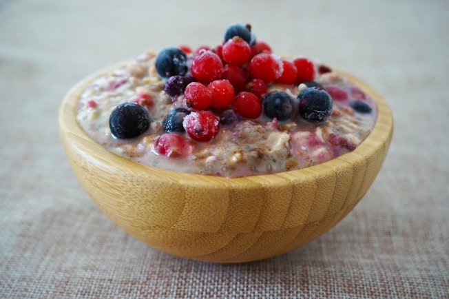 營養專家指出,燕麥富含蛋白質、礦物質,還有纖維能讓人獲得飽足感。(Pixabay)