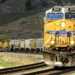疫情重創貨運 鐵路也受打擊