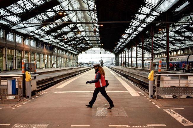 運輸檢查員任務在於確保火車等運輸系統載運的乘客與貨物都順利平安。(Getty Images)