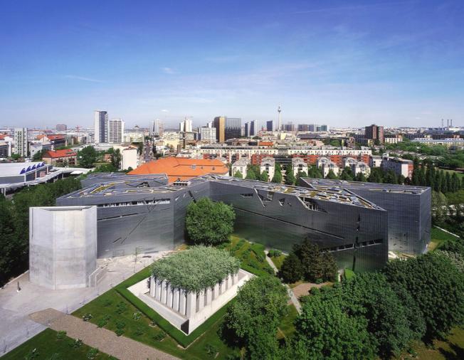 No. 10 柏林猶太博物館由猶太建築師李比斯金設計。