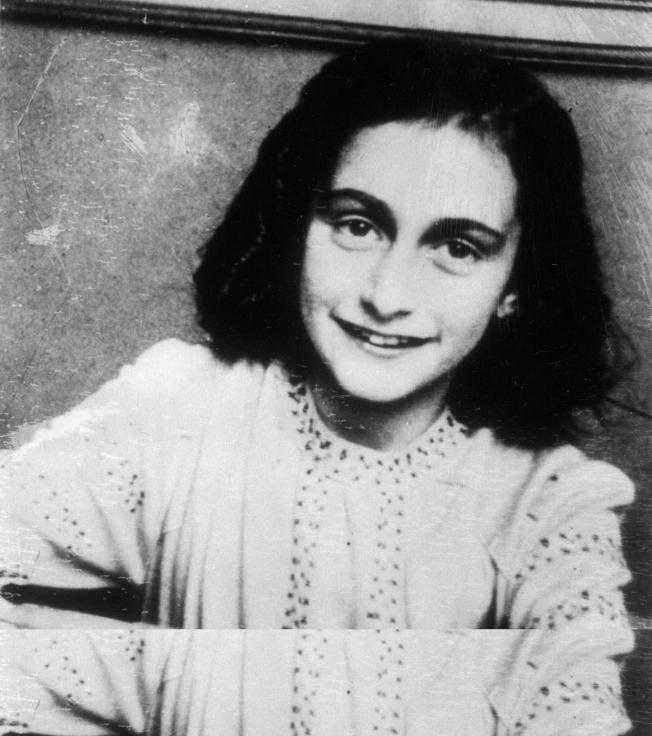 No. 1 寫《安妮的日記》的小女生作者安妮.法蘭克。