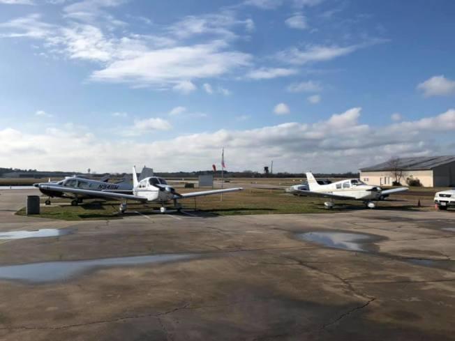 「德州航校」的飛行學校。(Texas Flight臉書)