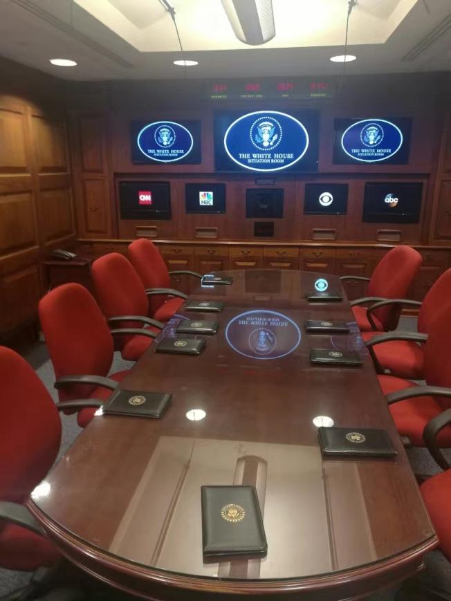 雷根總統圖書館內的總統戰情室(Situation room)內景(記者鄭敖天/攝影)
