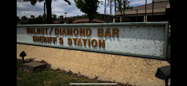 洛杉磯縣警局核桃鑽石吧分局負責羅蘭岡治安,社區華人表示關注縣警局是否削減開支,是否會影響當地治安。(記者啟鉻/攝影)