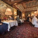 怪招!米其林三星餐廳重開  時尚「假人」與你共餐