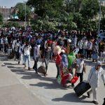 印度醫療體系崩潰…1病床擠3人、與屍同房