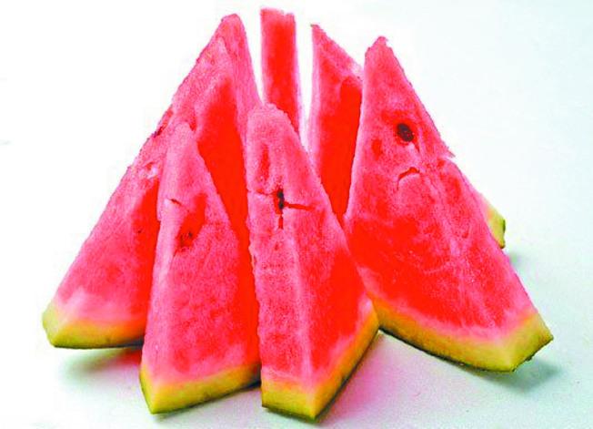 夏季可吃瓜果類食物,消暑利濕保持好胃口,但也不宜吃過多。(本報資料照片)