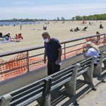 白思豪:禁酒吧外派對 國殤日海灘開放但禁游泳
