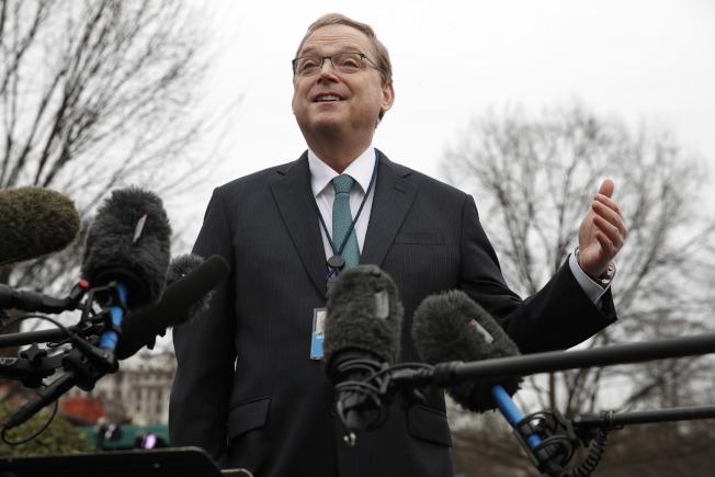 白宮經濟顧問哈塞特18日表示復工後,美國經濟將強勁復甦,將不再需要新一輪的紓困措施。(美聯社)