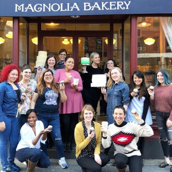 Magnolia烘培店將在正常營業之日在店門口安置遠紫外線C燈。(取自烘培店臉書)