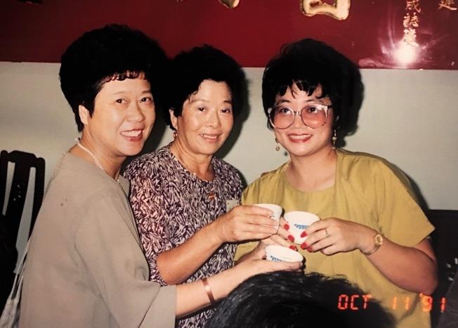 成功開成第二屆年會以茶代酒,左起:陳若曦、於梨華、吳玲瑤。圖/吳玲瑤提供