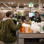 疫情改變生活 超市結帳你會看到3個新現象