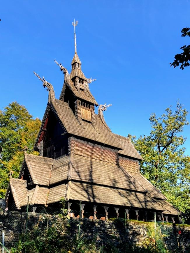 木板教堂。