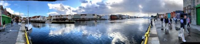 柏根港全景照片,拍攝自港池兩側。(圖皆由作者提供)