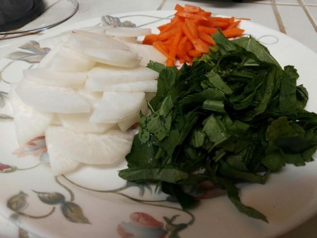 冬莧菜蘿蔔湯麵材料