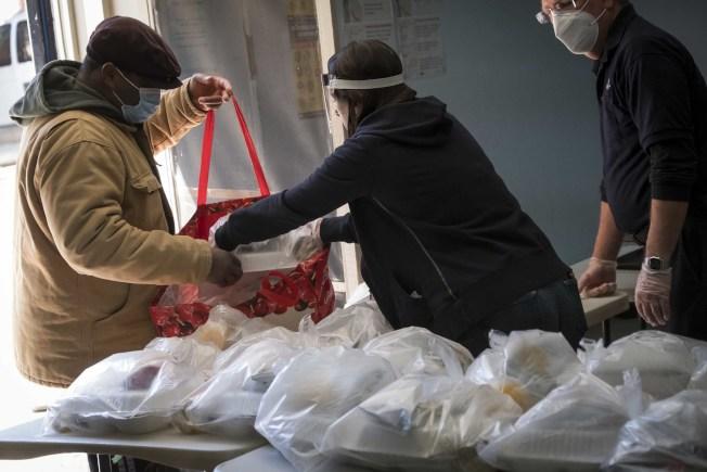 市府已派送3200萬份免費餐食。(市長辦公室提供)