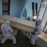 秘魯確診破10萬 醫院都是遺體 有如墓地
