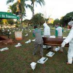 巴西恐淪全球第2重疫區 經濟重鎮聖保羅開挖萬人塚