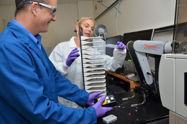 柏克萊加大有7個新冠病毒研究計畫,獲得全球多個企業成立的Fast Grants的220萬快速資助,希望在數個月內發現新的病毒診斷和治療方法。(柏克萊供圖)