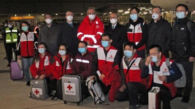 中國向受疫情打擊的國家捐贈醫療物資。(Getty Image )
