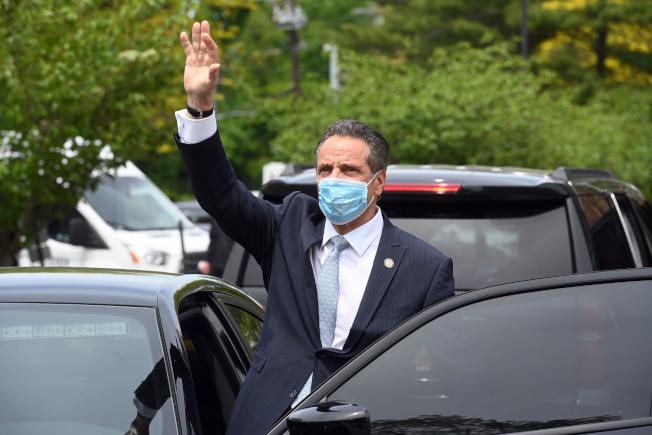 葛謨要求民眾在公共場所一定要配戴口罩。(州長辦公室提供)