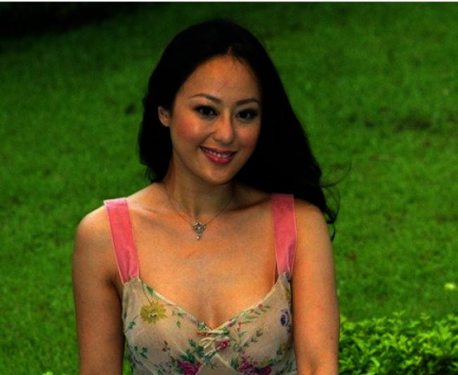 章小蕙1988年與「阿B」鍾鎮濤閃婚後,以「B嫂」稱號為人所熟知。(取自微博)