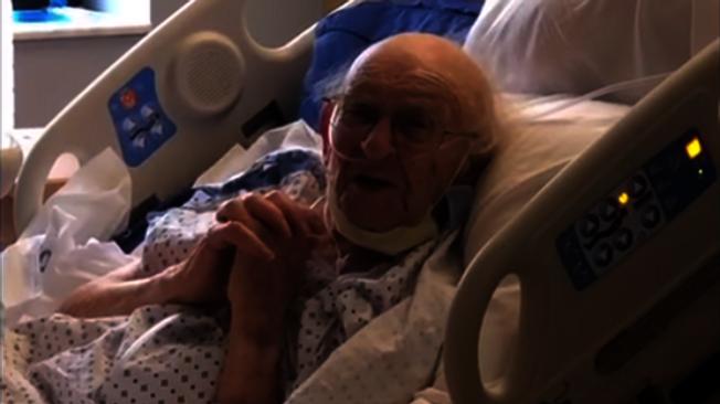 100歲的二戰老兵福克與新冠病毒對抗近兩個月,身體狀況好轉,20日順利出院。(Henrico Doctors醫院提供)