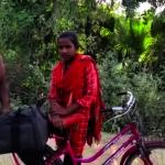 狂!印15歲少女載傷父 勇騎單車千里返鄉 伊凡卡也稱讚