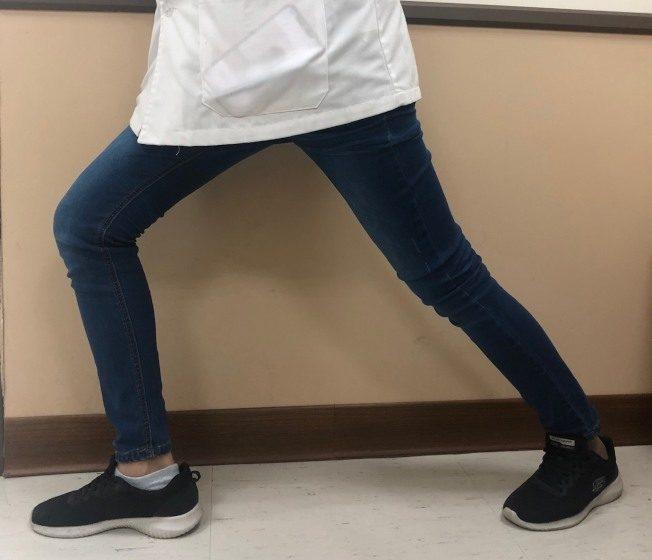 举步维艰?5招拉筋 复健足底筋膜炎
