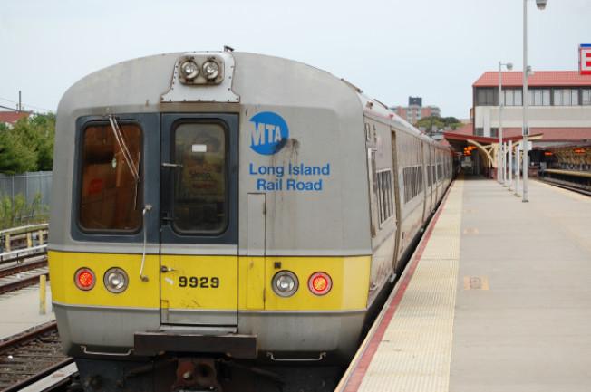 長島地區有望在27日解封,MTA將對長島鐵路每趟列車增加車廂。(取自Shutterstock)
