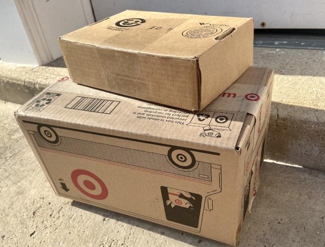 警方建議民眾網購後注意包裹配送進度並及時收取。(記者朱蕾╱攝影)