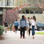 疫情影響 多所大學免除SAT、ACT