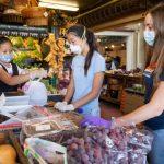 避疫上超市買菜 選對信用卡省更多