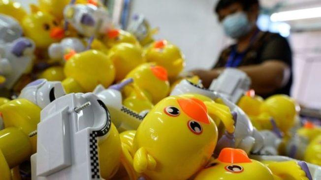 牛津大學經濟學家喬治馬格納斯說,中國工人可能開始復工了,但是世界其他地方還在經濟恐懼當中。(Getty Images)