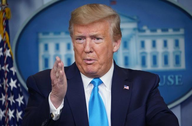 川普總統選擇了美國經濟研究所的復工方案。(Getty Images)