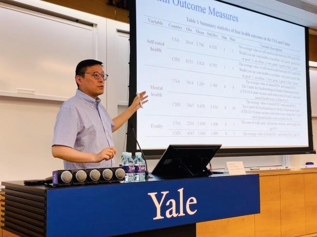 耶魯大學副教授陳希說,美國疫情的拐點已經到了。(陳希提供)