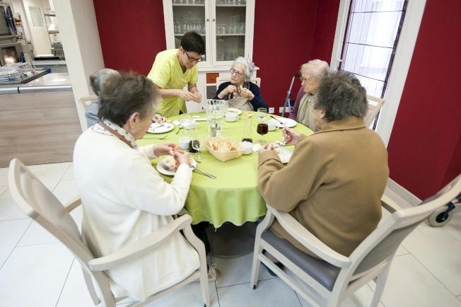 養老院的老人受感染和死亡的比例較高。(Getty Images)