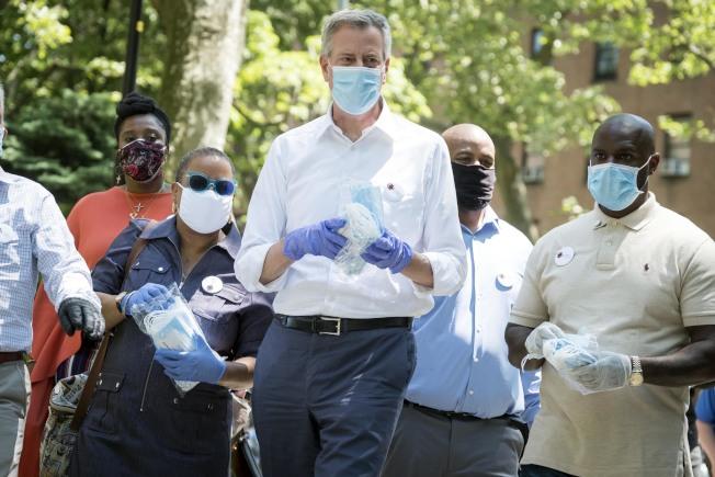 白思豪表示紐約市新冠病毒日檢測量已超過2萬7000次,預計8月1日前將達到日檢測5萬次。(市長辦公室提供)